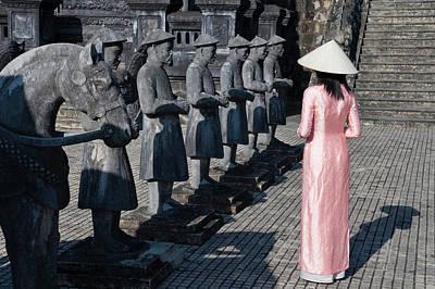 Tomb Photograph - Girl In Ao Dai (traditional Vietnamese by Keren Su