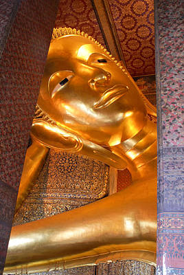 Digital Art - Images Of The Reclining Buddha At Wat Pho by Carol Ailles