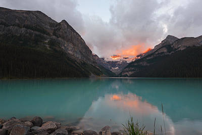 Lake Louise Sunrise Art Print by Yue Wang