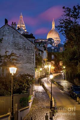Sacre Coeur Photograph - Montmartre Twilight by Brian Jannsen
