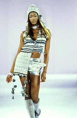 Silver Photograph - Naomi Campbell On A Runway For Anna Sui by Guy Marineau