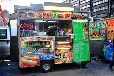 Photograph - New York Street Vendor by Frank Romeo