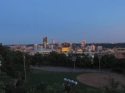 Pittsburgh Skyline Photograph - Pittsburgh Skyline At Dusk by Cityscape Photography
