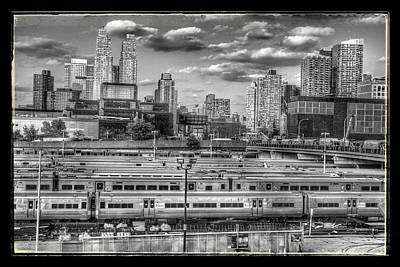 Photograph - Scene @ New York by Jim McCullaugh