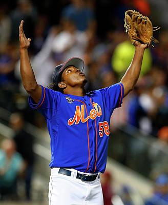Photograph - Texas Rangers V New York Mets by Rich Schultz