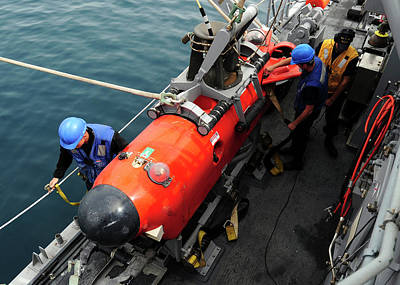 Mcm Photograph - Us Navy Underwater Mine Clearance Drone by U.s. Navy