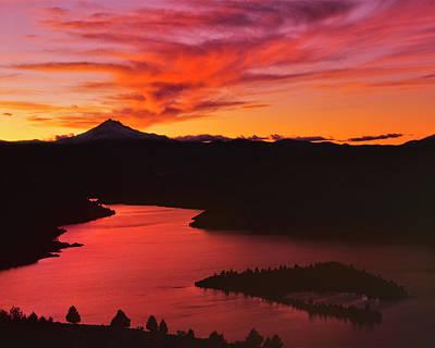 Jefferson Island Photograph - Usa, Oregon, Jefferson County by Jaynes Gallery