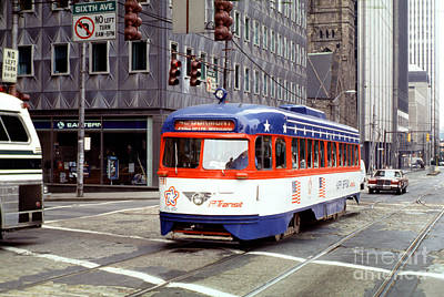 Pcc Photograph - 42 Dumont Pcc Bicentennial Trolley 1791 Pittsburgh by Wernher Krutein