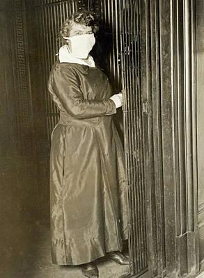 Photograph - Flu Pandemic, 1918 by Granger