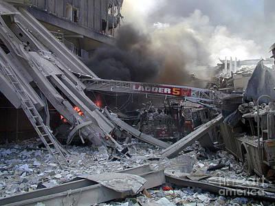 9-11-01 Wtc Terrorist Attack Art Print by Steven Spak