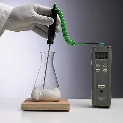 Solid Photograph - Endothermic Reaction by Science Photo Library