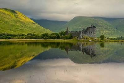 Digital Art - Kilchurn Castle by Stephen Taylor