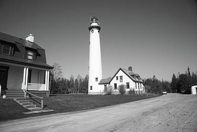 Keepers Cottage Photograph - Lighthouse - Presque Isle Michigan by Frank Romeo