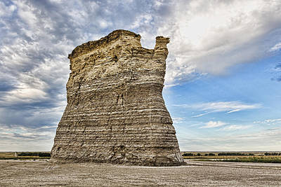 Photograph - Monument Rocks - Chalk Pyramids by Bill Kesler
