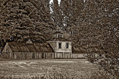 5 Star Barn Monochrome Print by Steve Harrington