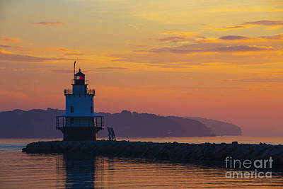 Maine Shore Photograph - Sunrise At Spring Point Lighthouse by Diane Diederich