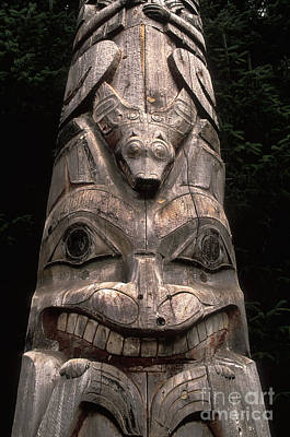 Totem Pole Art Print by Ron Sanford