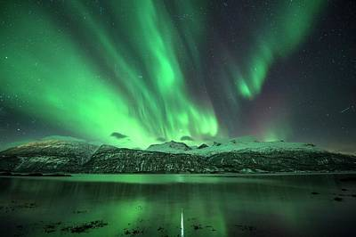 Snow-covered Landscape Photograph - Aurora Borealis by Tommy Eliassen