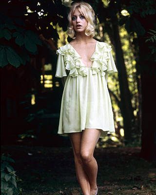 Goldie Photograph - Goldie Hawn by Silver Screen