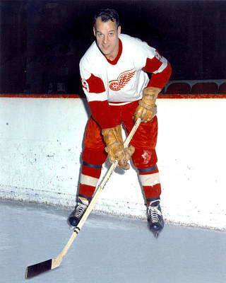 Hockey Art Photograph - Gordie Howe by Retro Images Archive