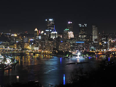 Pittsburgh Skyline Photograph - Pittsburgh Skyline At Night by Cityscape Photography