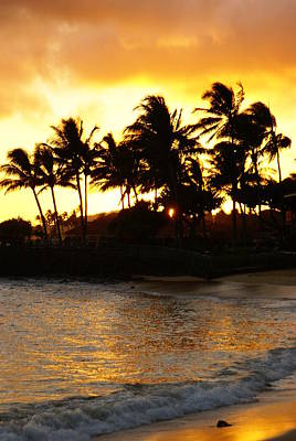 Photograph - Poipu Beach Sunset by Robert Lozen
