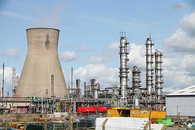 The Ineos Oil Refinery In Grangemouth Art Print by Ashley Cooper