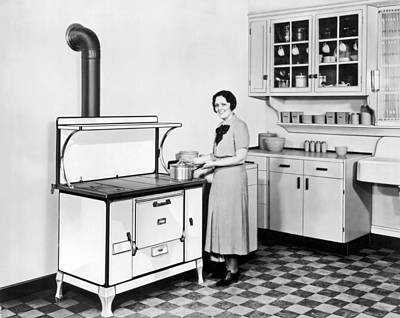 Beaver Wall Art - Photograph - Woman Cooking by Underwood Archives
