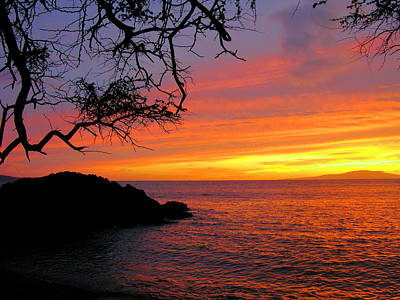 Hawaiin Photograph - Maui Sunset by Stephen  Vecchiotti