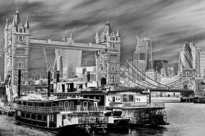 Tower Of London Digital Art - River Thames Art by David Pyatt