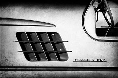 Mercedes 300sl Gullwing Photograph - 1955 Mercedes-benz Gullwing 300 Sl Emblem by Jill Reger