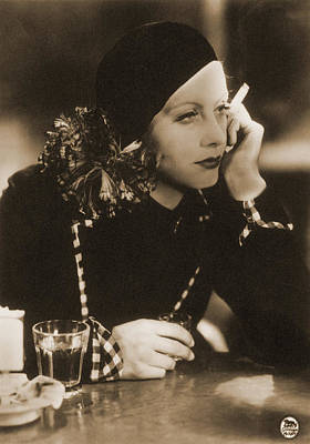 Photograph - Greta Garbo, Hollywood Movie Star by Photo Researchers