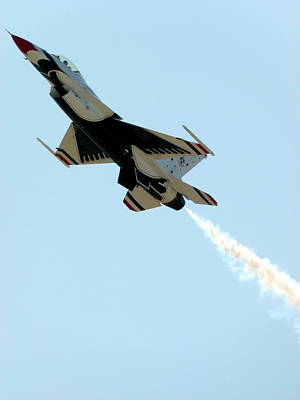 Photograph - Usaf Thunderbirds by Jeff Lowe