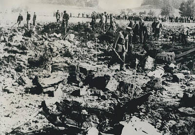 80 Die In A Plane Crash Near Zurich Art Print by Retro Images Archive