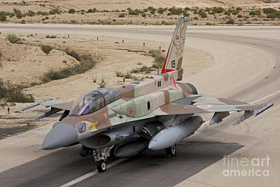 An F-16i Sufa Of The Israeli Air Force Print by Ofer Zidon
