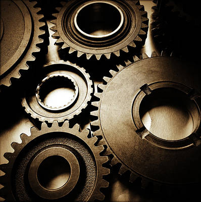 Industrial Photograph - Cogs by Les Cunliffe