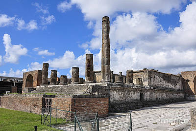 Italy Photograph - Pompeii Ruins by Travis Ortner