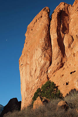 Garden Of The Gods Photograph - Usa, Colorado, Colorado Springs, Garden by Walter Bibikow