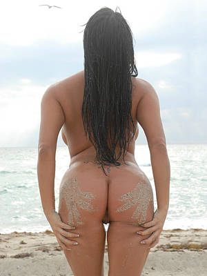 Photograph - 9527 Beautiful Nude Woman On Beach by Chris Maher