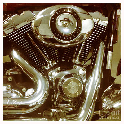 Photograph - 96 Cubic Inches by Linda Lees