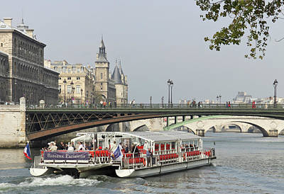 Sutton Photograph - A Bateaux Cruises On The Seine River by William Sutton