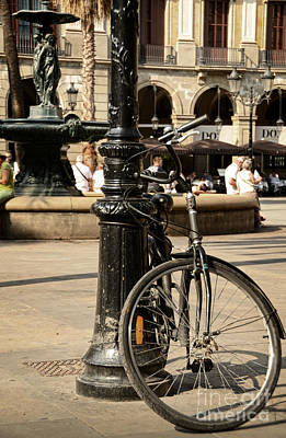 A Bicycle At Plaza Real Art Print by RicardMN Photography