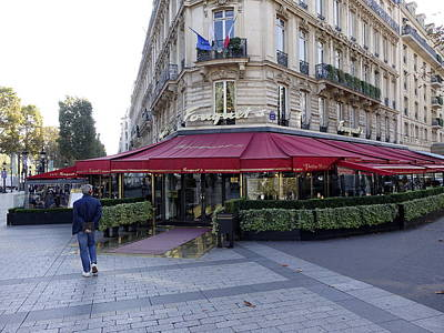 A Cafe On The Champs Elysees In Paris France Art Print