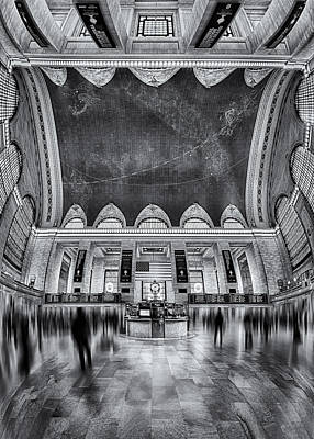 Grand Central Station Photograph - A Central View Bw by Susan Candelario