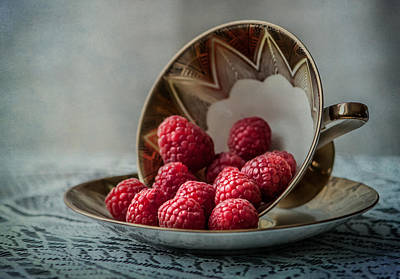 Raspberry Photograph - A Cupfull Of Raspberries by Maggie Terlecki