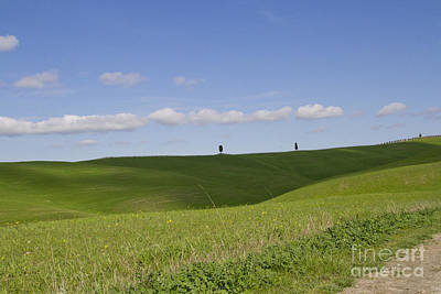 Giornata Photograph - A Day In The Hills by Silvia Pezzola
