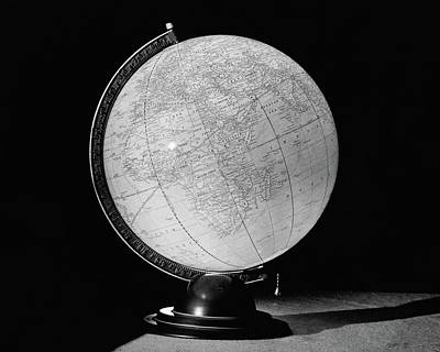 Black And White Photograph - A Globe Lamp by Ben Schnall