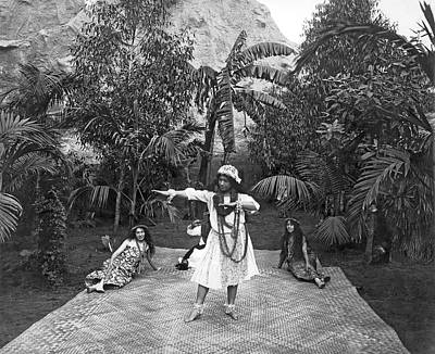 Lei Photograph - A Hawaiian Woman Dancing by Underwood Archives