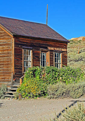 Photograph - A Hops Bodie Gateway by Joseph Coulombe