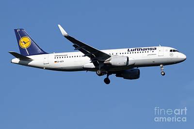 A Lufthansa Airbus A320-200 Sharklet Art Print